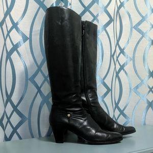 Authentic Salvatore Ferragamo Carla boots!